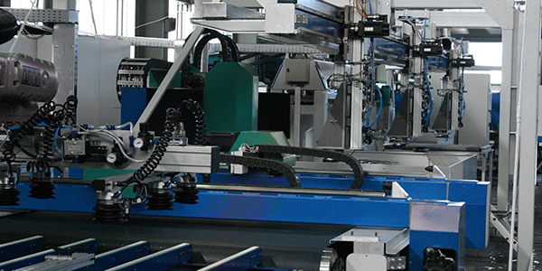 Single machines or linked production systems